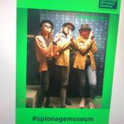 uczestnicy wyjazdu w Spionage muzeum.
